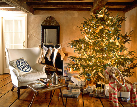 scandinavian-swedish-style-christmas-decor-tree-beautiful-room-straw-reindeer-wing-chair