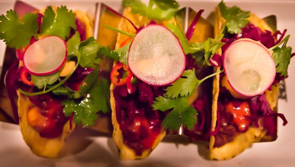 retiisi ruoka tacoannos ravintolassa ruokakuvaus
