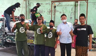 Gandeng Banser, Para Pengusaha Plastik Salurkan Bantuan ke Warga Terdampak Corona