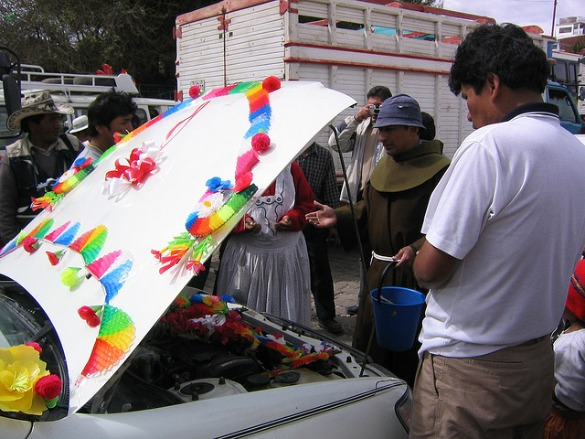 Ritual memberkati kendaraan