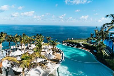 kolam berenang hotel bintang 5