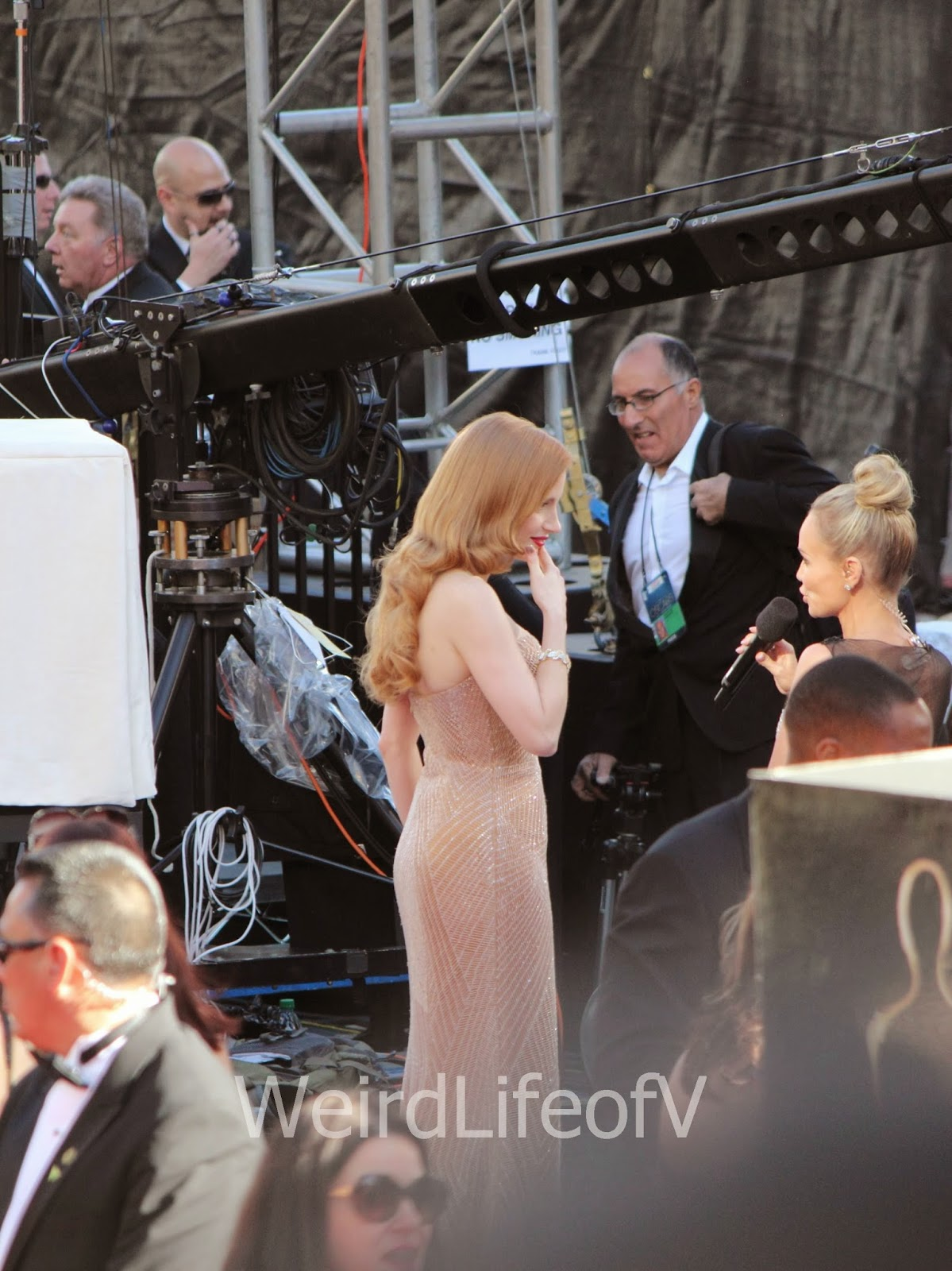 Jessica Chastain being interviewed by Kristin Chenoweth