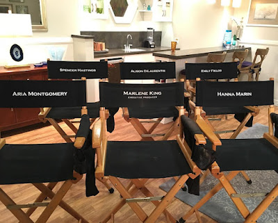 PLL 7x16 cast announce show ending after season 7, chairs for Lucy Hale,Ashley Benson, Shay Mitchell, Troian Bellisario, Marlene King, Sasha Pieterse