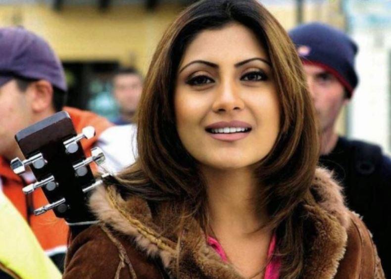 Rimi Sen Bigg Boss Fame And Former Bollywood Actress