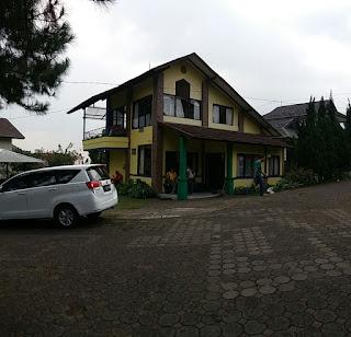 Villa Istana Bunga Blok P1 No 2