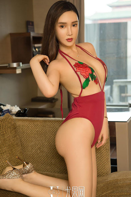 Hot and sexy booty photos of beautiful busty asian hottie chick Chinese babe model Jin Lu photo highlights on Pinays Finest Sexy Nude Photo Collection site.
