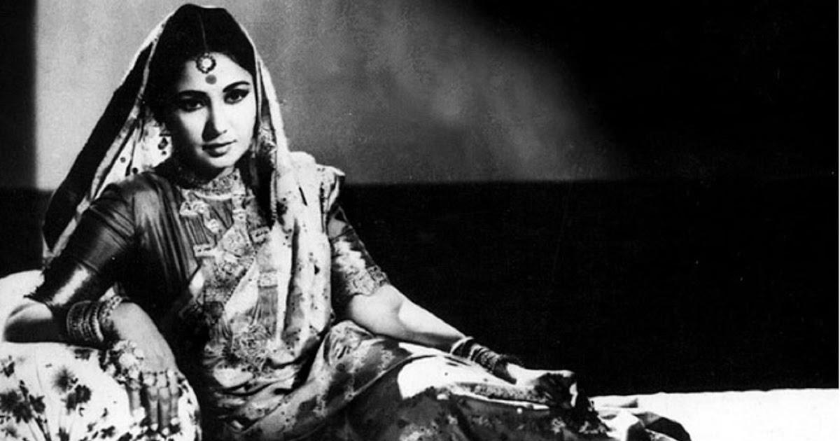 मीना कुमारी फिल्म साहिब बीवी और गुलाम के एक दृश्य में।