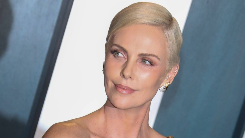 On her 46th birthday, the secrets of beauty and youth from Charlize Theron Charlize Theron celebrates her 46th birthday today, which makes us stand a little at this number.