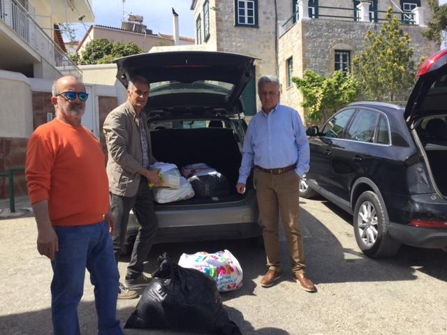 Υγειονομικό υλικό και ρούχα απέστειλε η Νεολαία ΣΥΡΙΖΑ στη δομή μεταναστών στην Ερμιονίδα