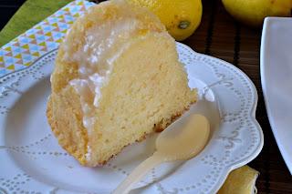 Bundt Cake de Yogur y Limón con Glaseado de dulce limón