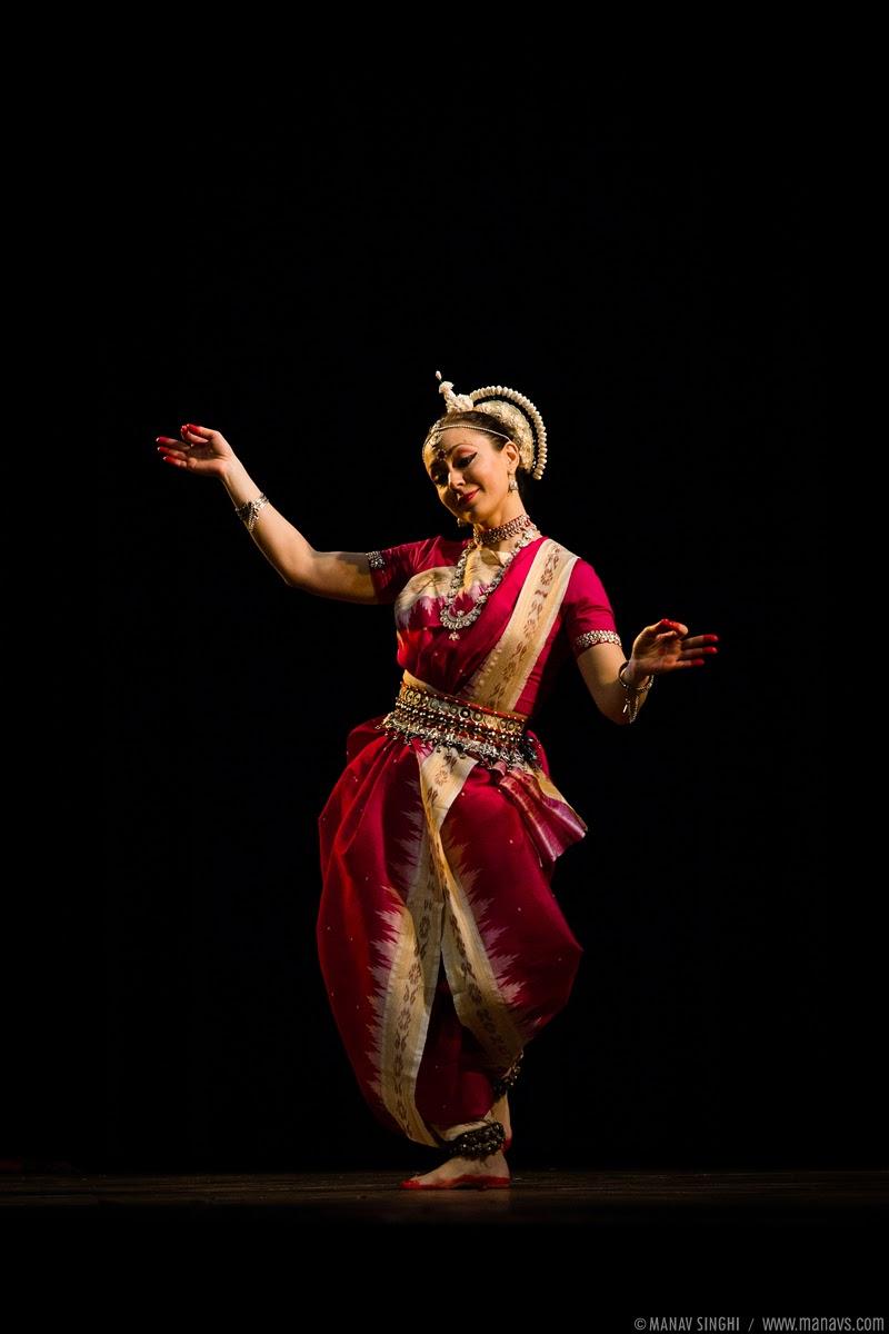 """Chaya Jhatak"" Odissi Dance by Russian Odissi Dancers Anna Ivanova, Polina Smaznova, Kovalevskaya Nadezhda and Anastasia Holodova."