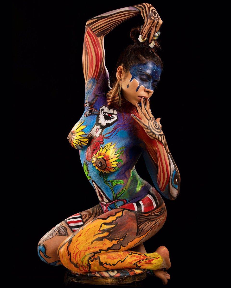 chicken-filipino-body-painting