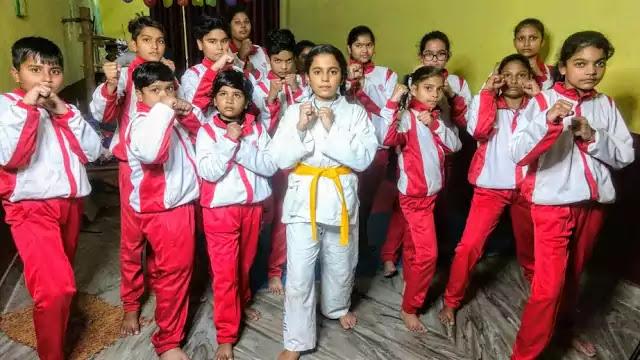 Yellow Belt in Karate Meaning   जानिए कराटे में पिली बेल्ट का मतलब।