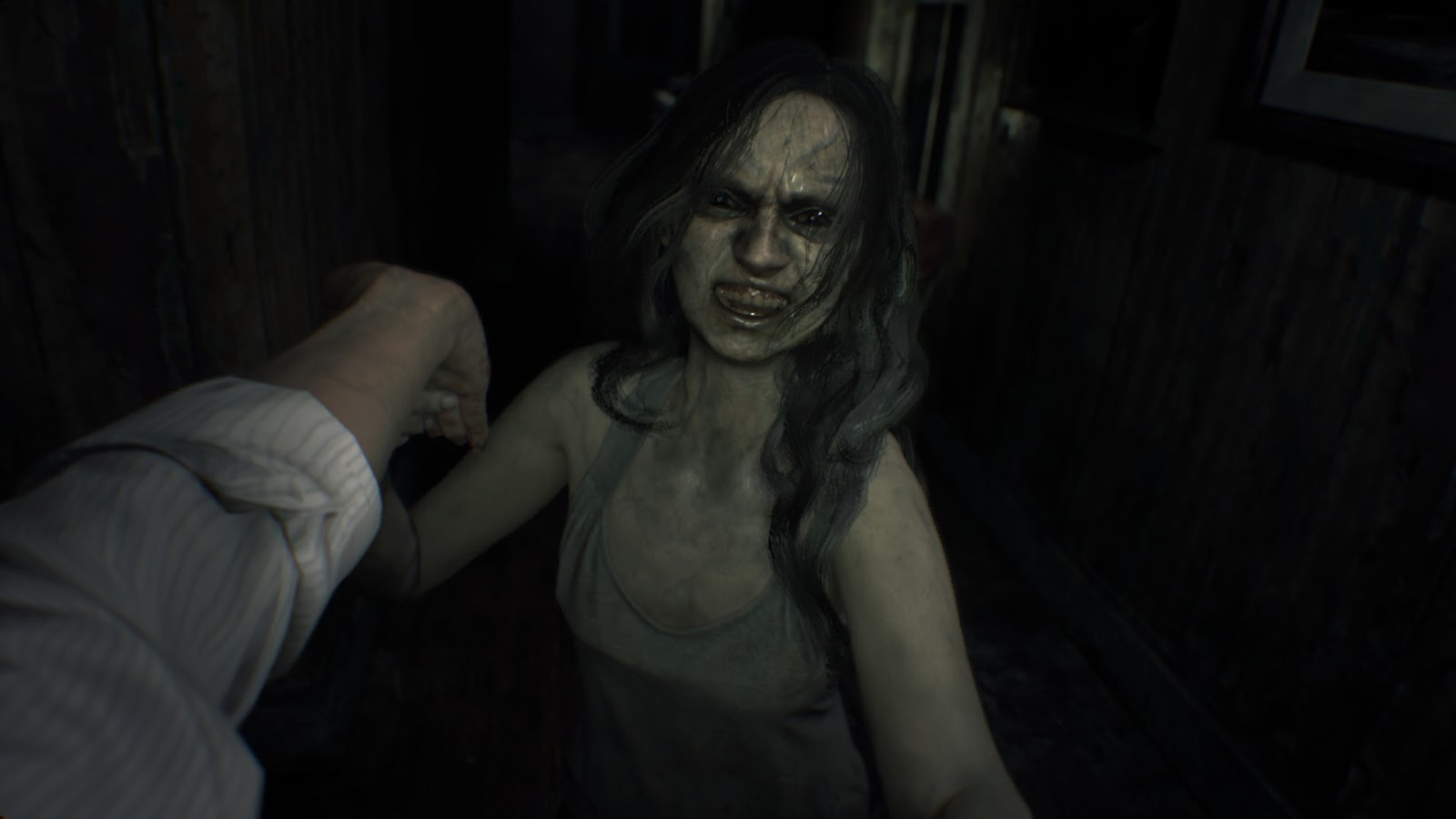 The Nocturnal Rambler Resident Evil 7 Survival Horror S Back