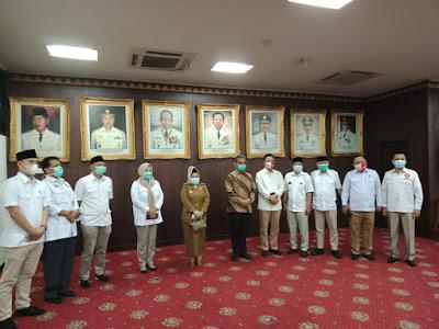 Sekjen Gerindra Serahkan Ventilator dan VTM ke Gugus Tugas Covid-19 Lampung
