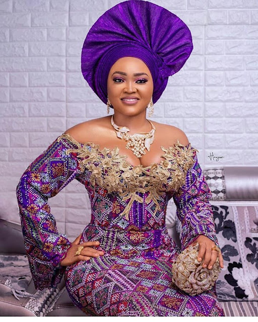 2019 African Fashion: Latest Asoebi Styles for Wedding