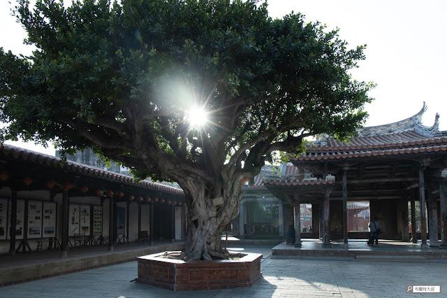 【大叔生活】2021 又是六天五夜的環島小筆記 (下卷) - 伴著溫暖的陽光,更襯托出鹿港龍山寺之美