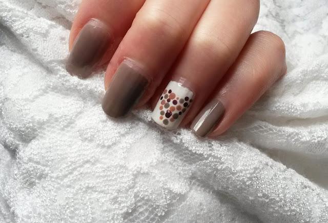 Tutoriel nail art romantique Saint Valentin