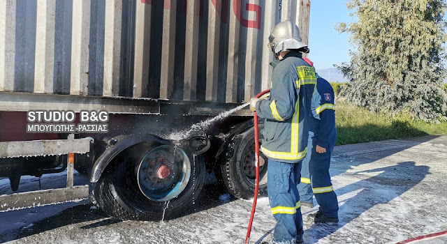Φωτιά σε φορτηγό όχημα στην Αργολίδα