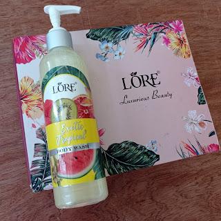 Lore body wash dengan wangi segar buah-buahan tropis