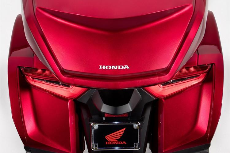 'Vua đường trường' Honda Gold Wing 1,2 tỷ đồng tại Việt Nam