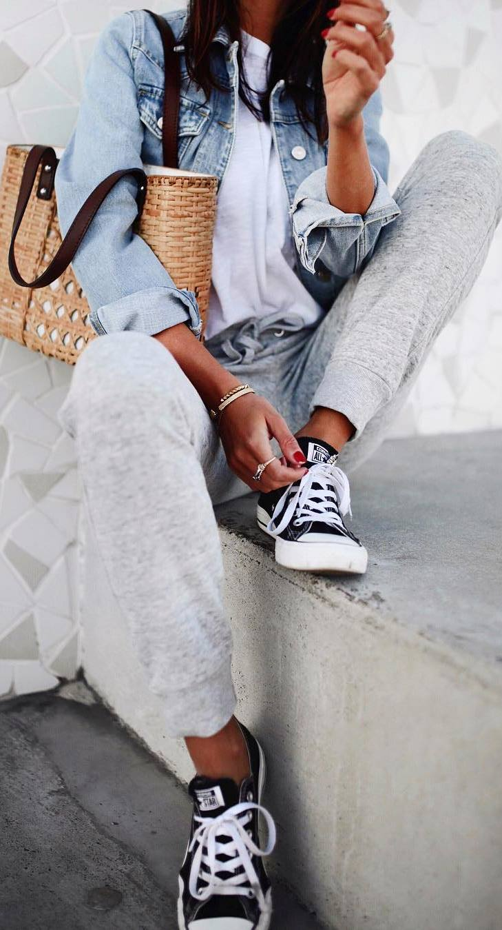 trendy casual outfit / denim jacket + top + bag + grey pants + converse