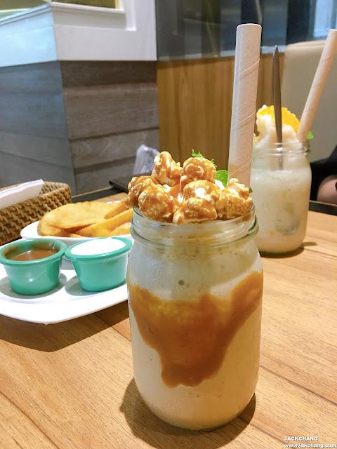 Caramel Popcorn with Coffee Milkshake