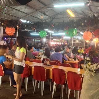 Larsian sa Fuente barbecue stall in Cebu City Philippines