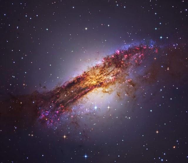 GALÁXIA NGC 5128