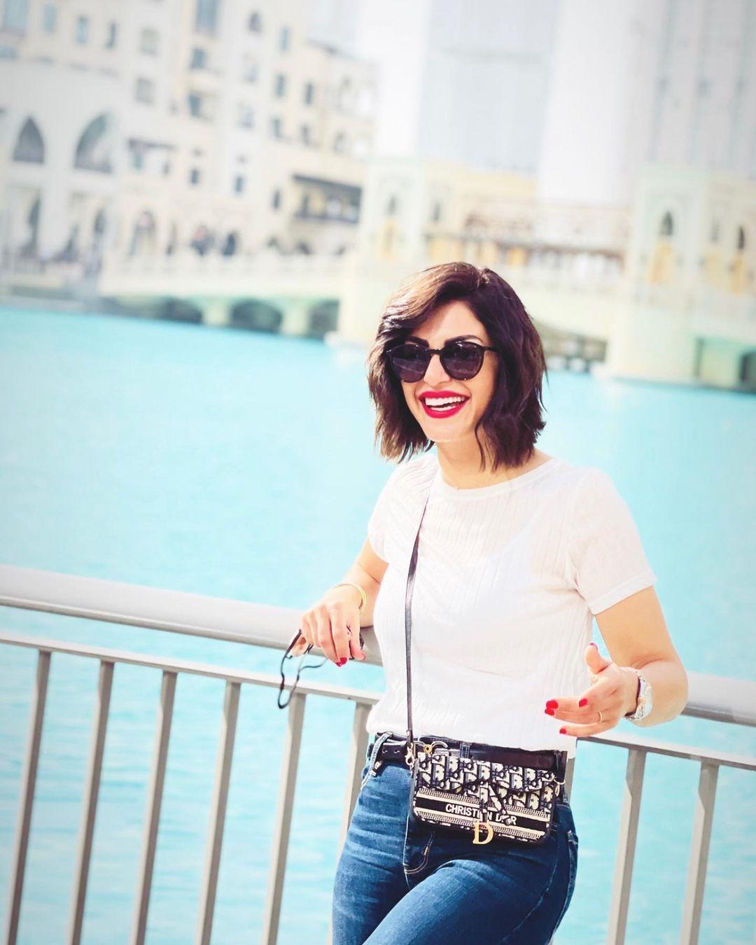In hot clothes, Menna Fadali catches the eye in Dubai