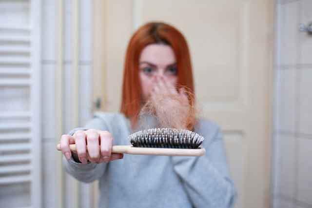 7 أسباب لتساقط الشعر| وكيفية اصلاحها