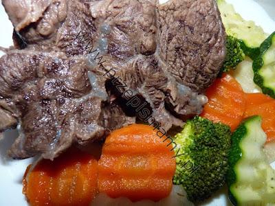 Pręga wołowa gotowana z warzywami