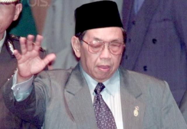 Rekonsiliasi Politik Tingkat Tinggi ala Gus Dur, Hingga Seluruh Rakyat Indonesia Legawa