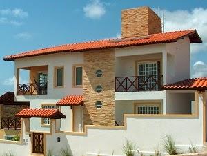 Casa de dois pavimentos, piscina e jardim - Quanto custa construir a própria casa
