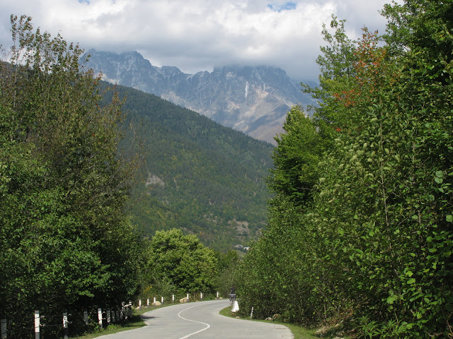 дорога в Верхней Сванетии