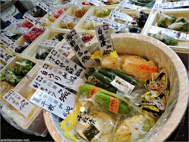 Encurtidos en el Mercado de Pescado de Tsukiji, Tokio