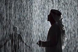 18 Arti Mimpi Hujan Menurut Islam dan Primbon Jawa