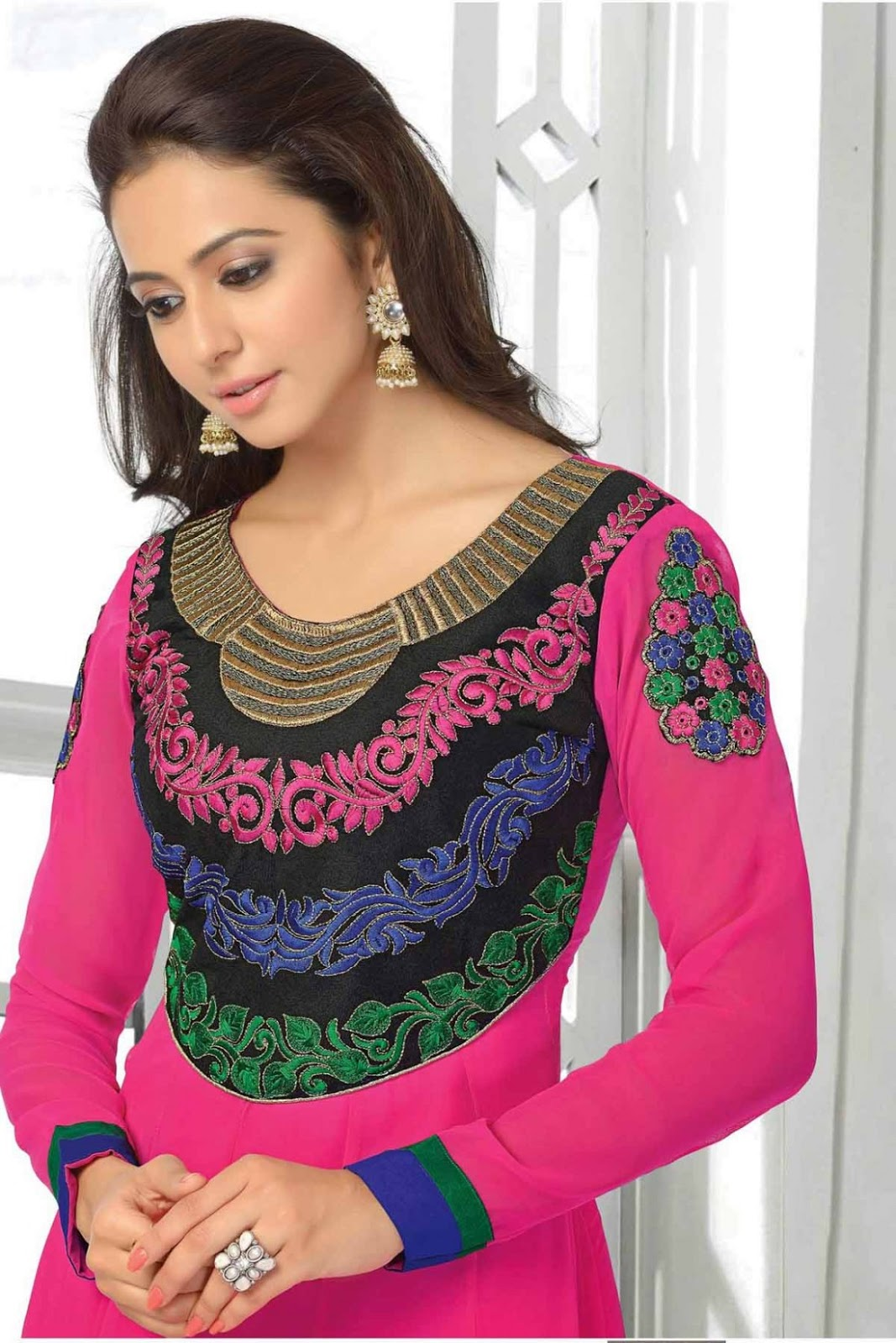 Rakul Preet Beautiful Stills In Pink Designer Dress