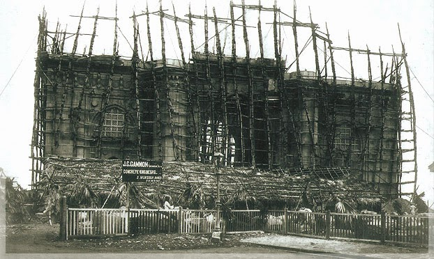Rare Pic Of Gateway Of India Under Construction