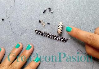 cuentas-antes-de-cerrar-Anillo-zig-zag-half-tila-beads-de-crea2-con-pasión