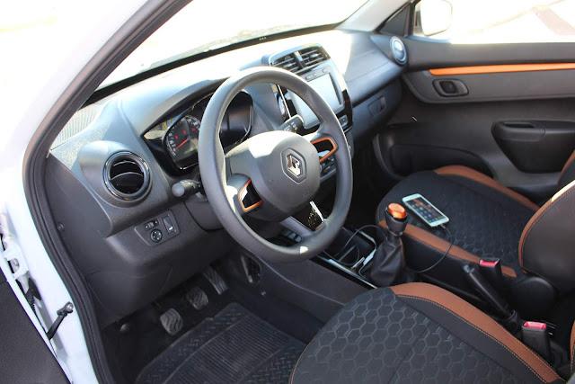 Renault Kwid Outsider 2020 - interior