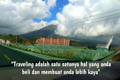 quotes tentang petualangan dan traveling