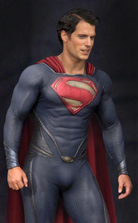 SUPER-MAN-MAN-OF-STEEL-HENRY-CAVILL-COSTUME-2.jpg