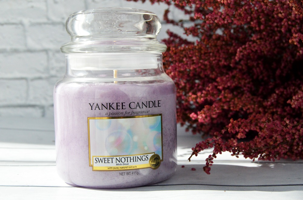 Yankee Candle - świeca o zapachu Sweet Nothings