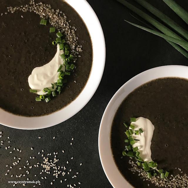 Czarna zupa warzywna