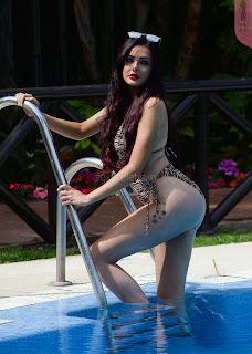 Sarah-Goodhart-In-Swimwear-On-holiday-in-Marbella-12+%7E+SexyCelebs.in+Exclusive.jpg