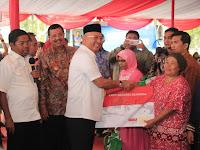 Wali Kota Dampingi Mensos Serahkan Bantuan PKH & BPNT