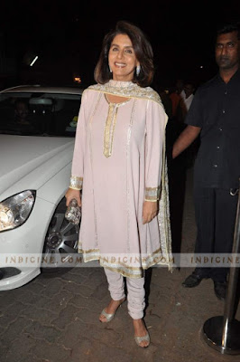 Neetu-singh-at-Kareena_Kapoor_Saif_Wedding_sangeet