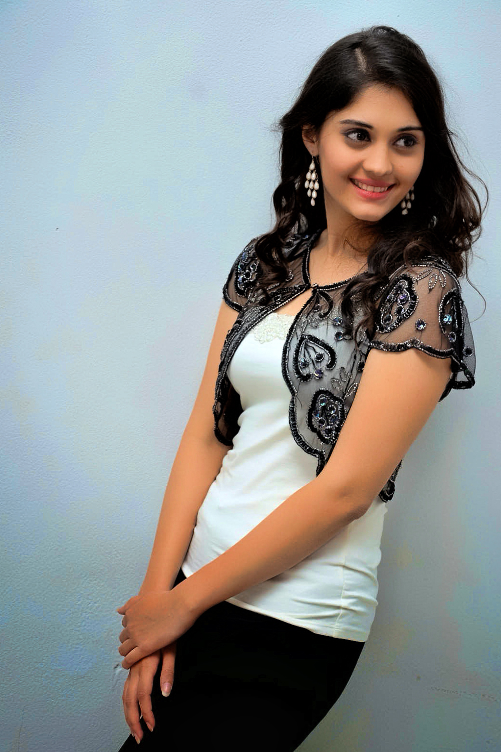 Surabhi Hd Wallpapers-6132