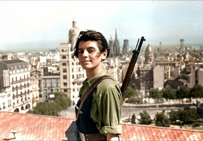 52 photos of women who changed history forever - Marina Ginesta, a 17-year-old communist militant, overlooking Barcelona during the Spanish Civil War. [1936]